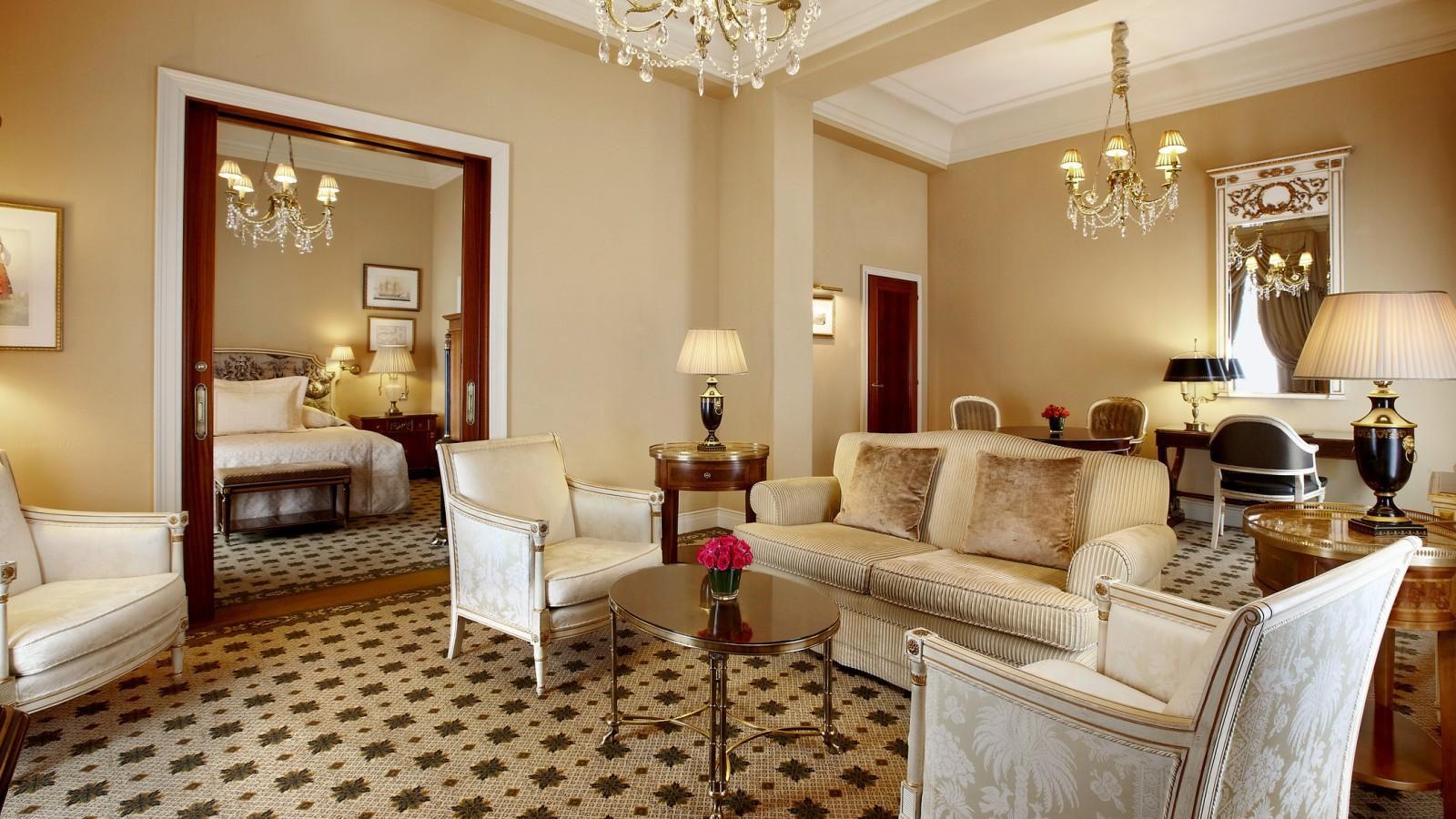 Grande Deluxe Suites